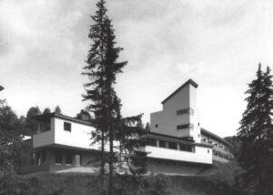 Hotel Windegg in Steinberg am Rofan, Strassenseitig